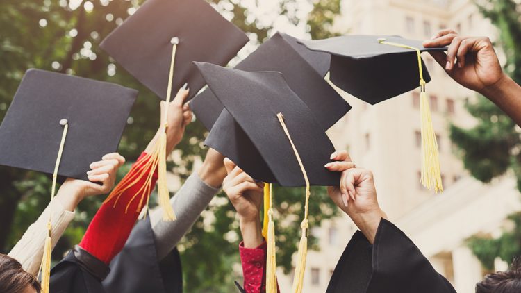 7 Steps to Thriving Financially as a New Graduate